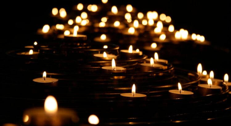 Tændte lys og sorg